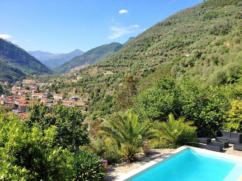 Casa Celestina - Superbe Villa Piscine Badalucco 10km de la mer, vacation rental in Agaggio Inferiore