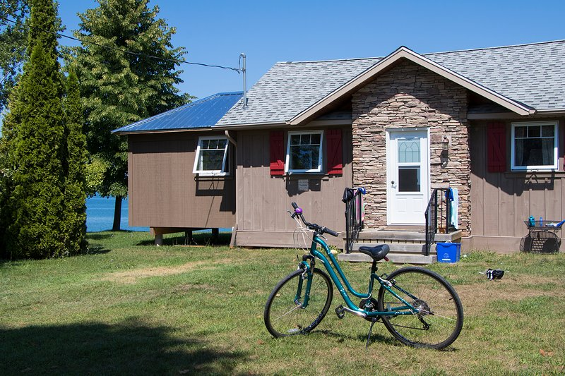 Chardonnay Guest Cottage, holiday rental in Beamsville