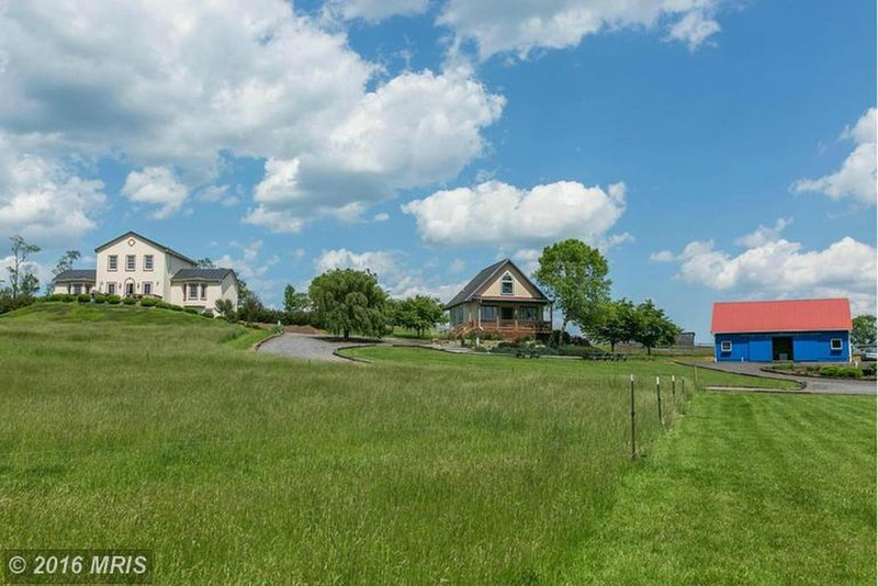 Swan Lake Farm homes and barn