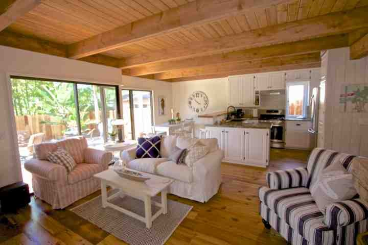 Bluebird Beach Cottage at Laguna Beach - walk to beach and town!, vacation rental in Laguna Beach