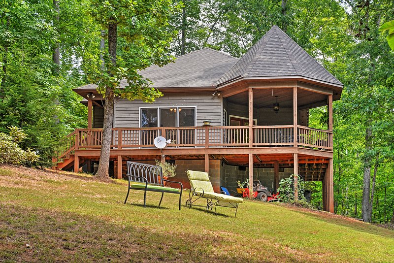 Cozy Scottsville Cottage w/ River Views & Gazebo! – semesterbostad i Buckingham