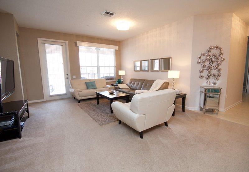 Hardwood,Indoors,Living Room,Room,Floor
