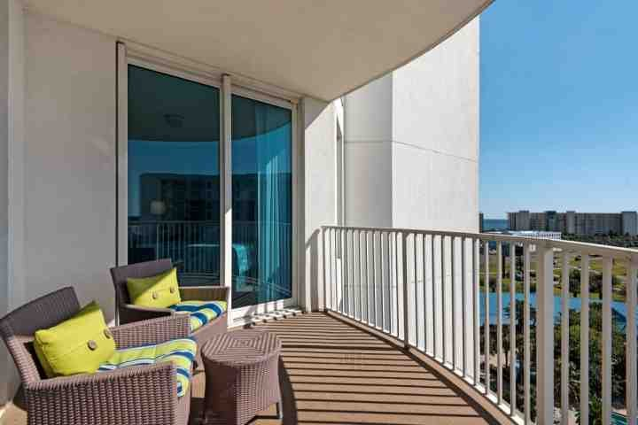 Disfrutar de las vistas desde el balcón