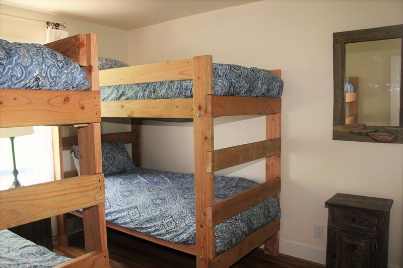 East Middle 2 Sets of Bunks (4S)