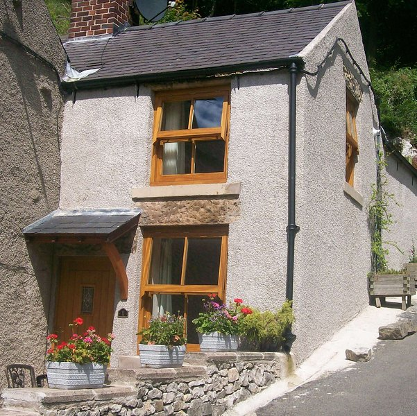 1 Rock View, Millers Dale, Tideswell, Derbyshire, vacation rental in Litton Mill