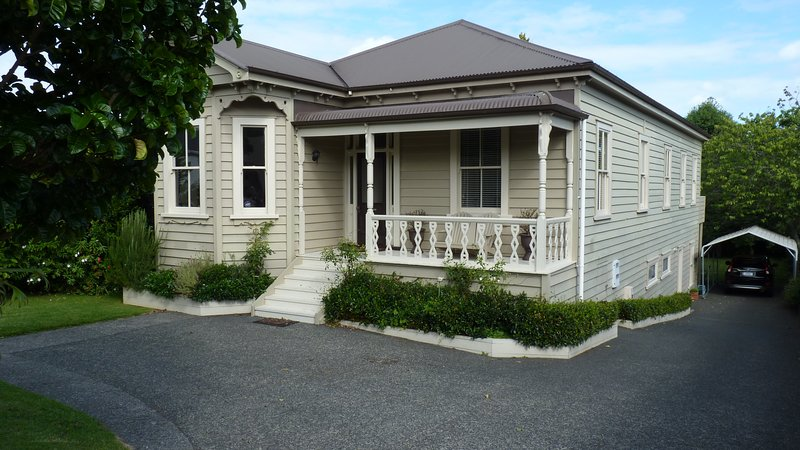 La Maison Clonbern B&B, vacation rental in Epsom