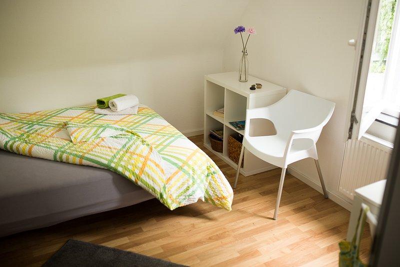 Zimmer 10: 1-2 Personen-Zimmer in Degerloch, aluguéis de temporada em Leinfelden-Echterdingen