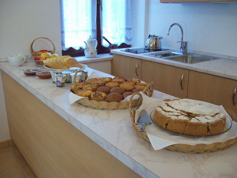 Agritur Rizzi di Inama Ugo - app 4/6 posti letto, vakantiewoning in Cles
