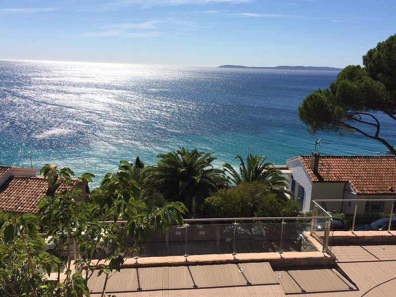 180° VIEW on 300sqm Terrace