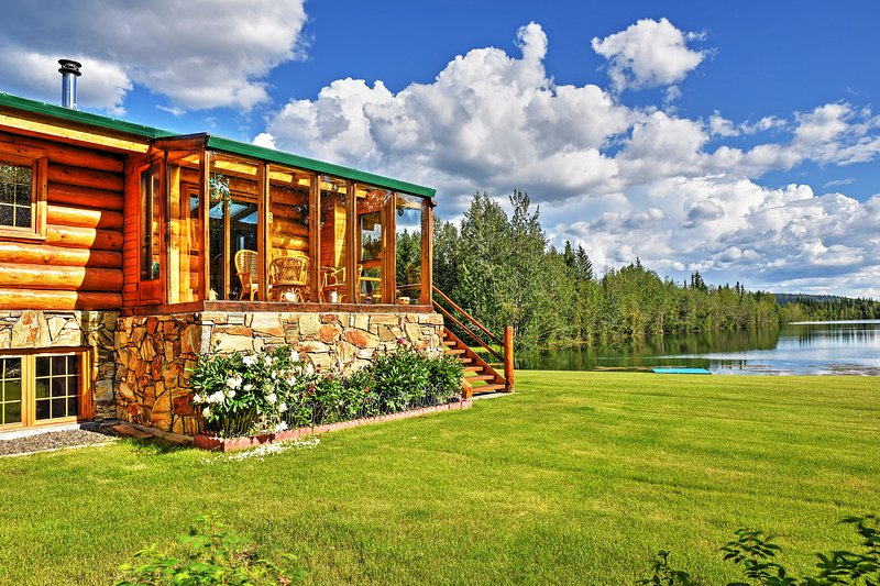 Have an authentic Alaskan experience at this vacation rental house in Salcha!