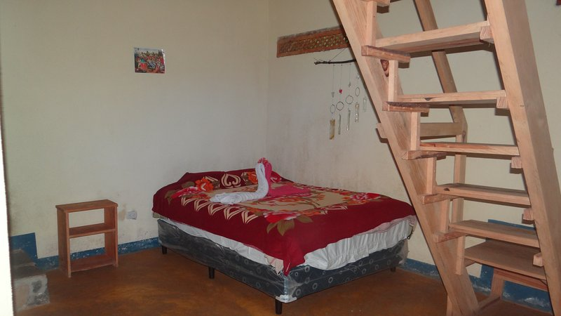 cama doble en la planta baja