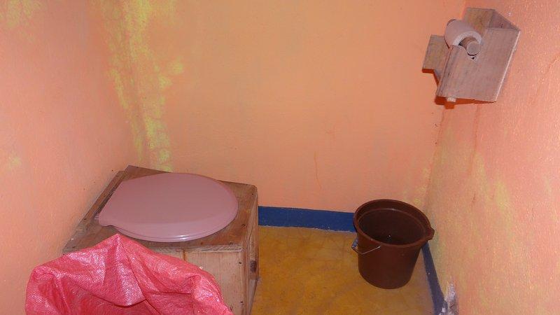 écologique toilettes à compost, nous ne les eaux usées, mais plutôt de créer des engrais organiques.