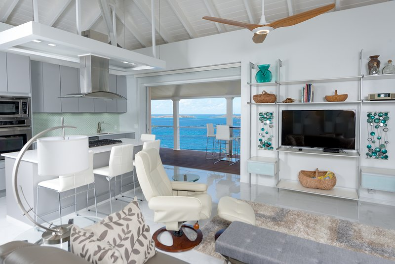 Sala de estar w / Caribbean Sea & St. Thomas
