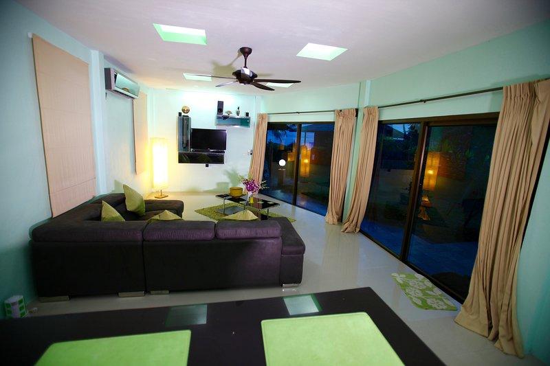 deluxe beach  villa, vacation rental in Ban Thong Sala