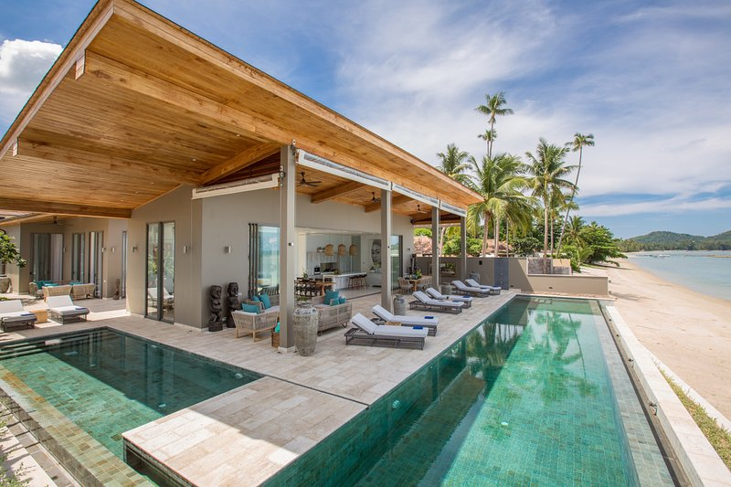 Luxury Villa Kirana by PavanaVilla with private pool, beachfront, chef, holiday rental in Ko Samui