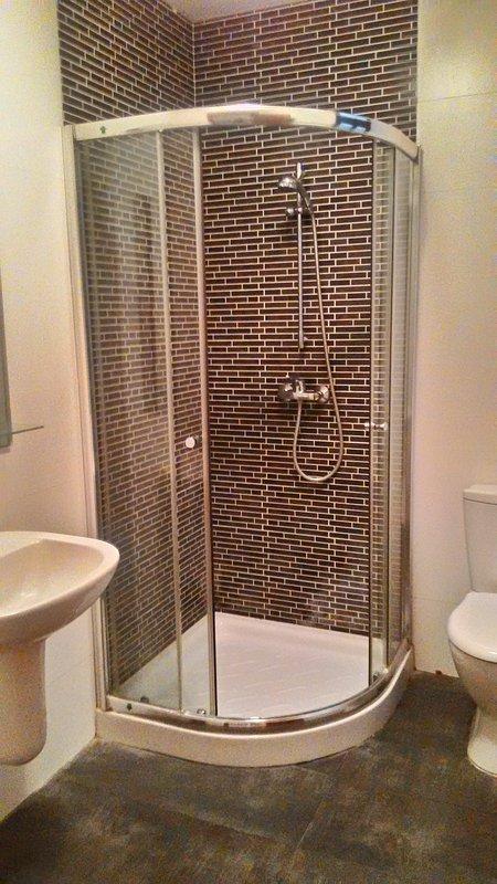 cuarto de ducha / WC encuentra en el segundo piso