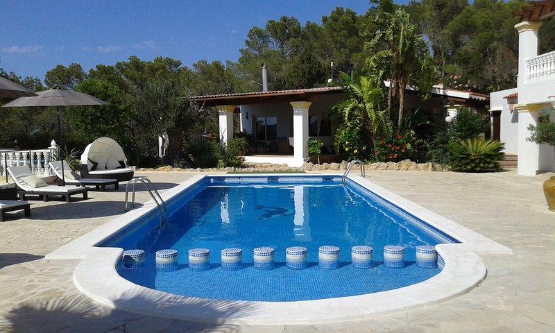 Casa con Piscina y Jacuzzi con vistas al mar. Licencia ET-380-E, alquiler vacacional en San Lorenzo