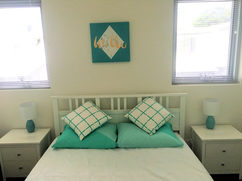 Zbzyk's Apartment - Great location for great price, vacation rental in Wattle Grove