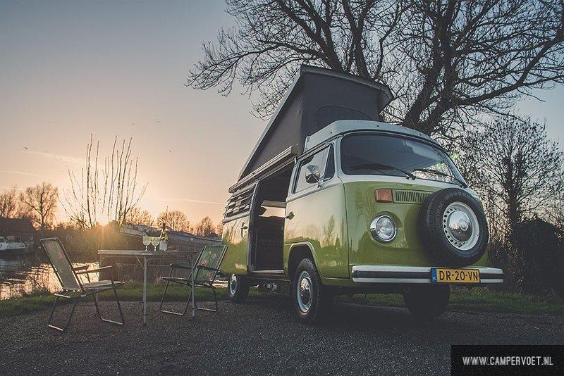 Volkswagen T2 Camper Foot Leerdam at about Heukelum RV