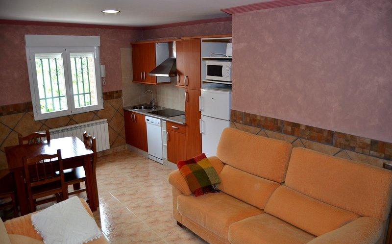 El Mirador de Clavijo, apartamento de 90 metros 4 / 6 plazas, holiday rental in Ausejo
