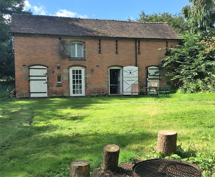 Engine House - Off Grid Living Shropshire Welsh Border, holiday rental in Edstaston