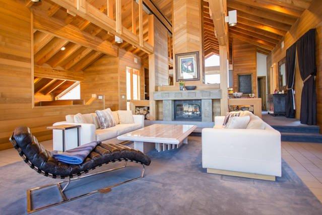 Architectural Gem with amazing ski run views!, location de vacances à Park City