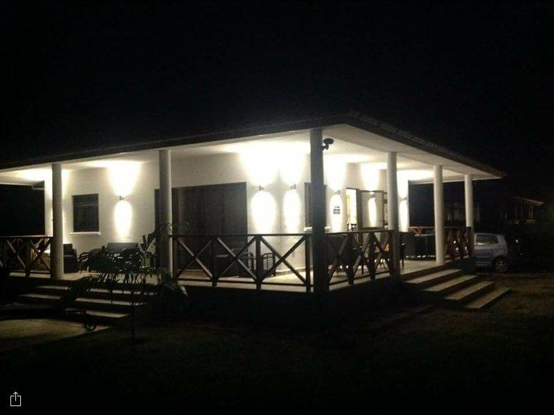 Villa Laure la nuit.