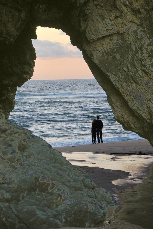 puesta de sol en la playa de Adraga.