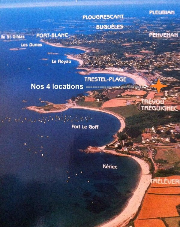 Our rentals with sea views are located 50m from the sandy beach