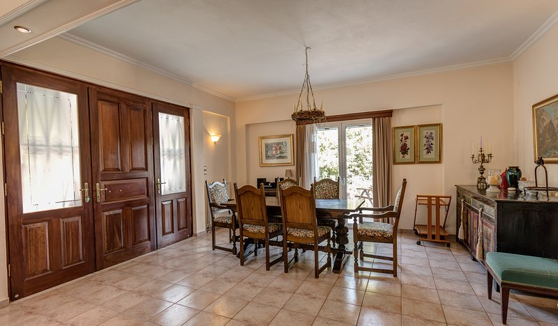 KITCHEN DINING TABLE