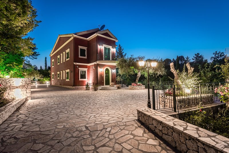 Magnificent villa with panoramic views