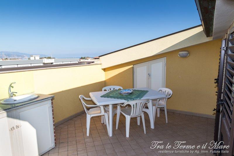 Tra le Terme e il Mare - Ovest verde, holiday rental in Castroreale