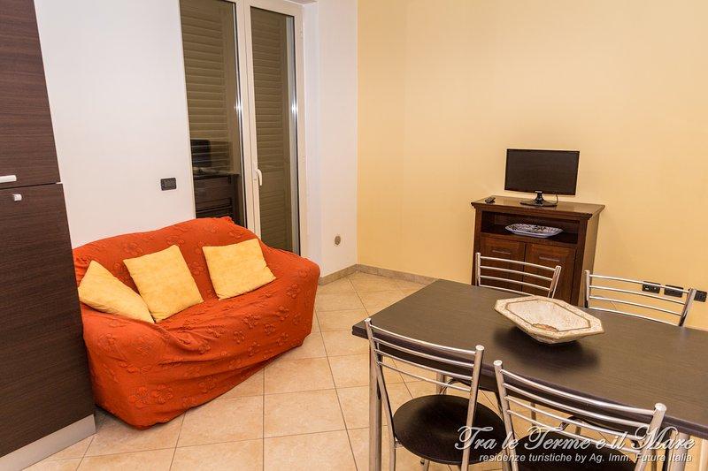 Tra le Terme e il Mare - Giallo est, holiday rental in Castroreale