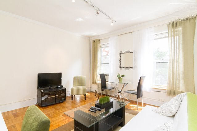 Sophisticated UES 1 br apartment