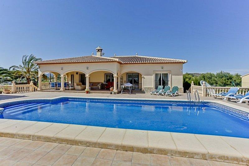 Casa Paz est une villa avec jardin privé et piscine pour se détendre dans