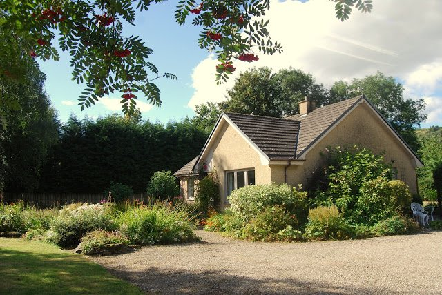 Aberfeldy Holiday Cottage, Cramond by Aberfeldy, holiday rental in Aberfeldy