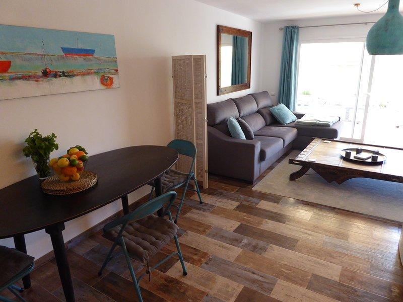 Dining & corner sofabed
