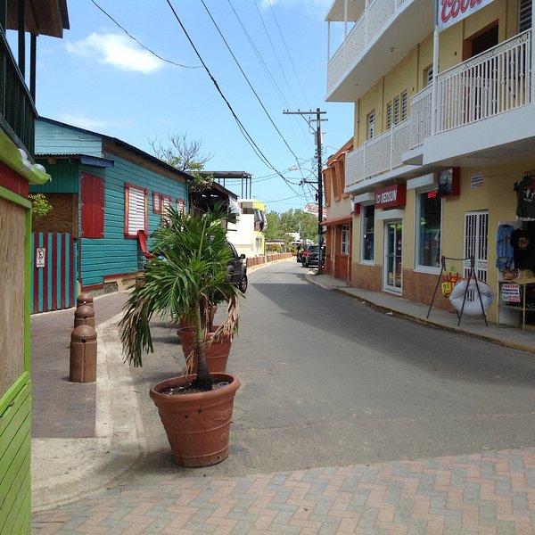 Boqueron Poblado has local stores, pubs, bars, restaurants...