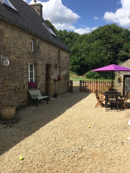 Well Cottage, holiday rental in Le Croisty