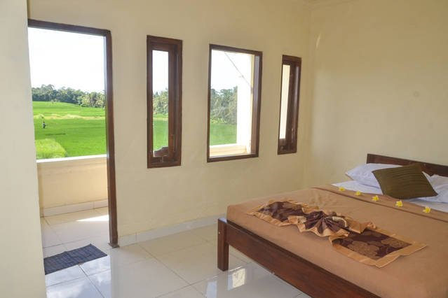 Surfer Lodge Tanah Lot-Rice Field View, holiday rental in Tabanan