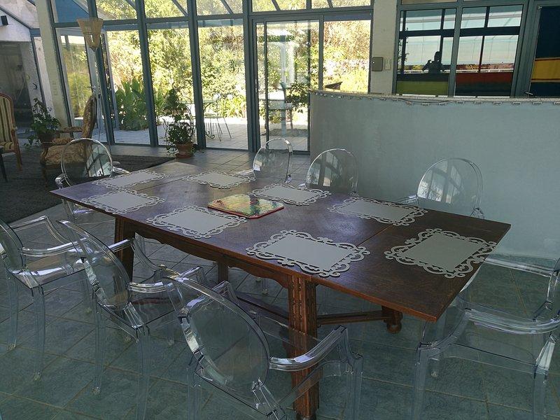 Dentro mesa de comedor