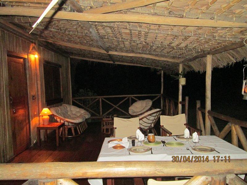 La terraza por la noche