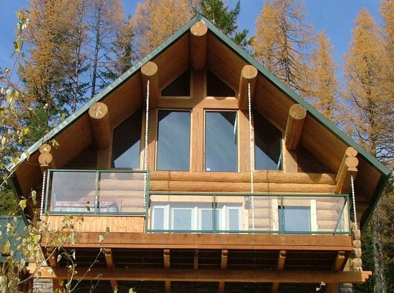 Summer cabin w lake valley views