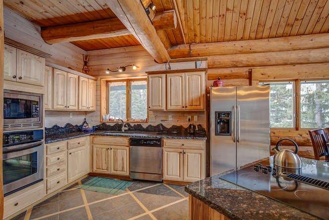 Mogul Hill Kitchen w stainless appliances
