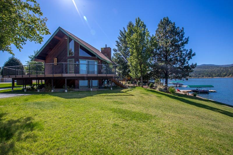 Amazing home on Pend Oreille - true waterfront