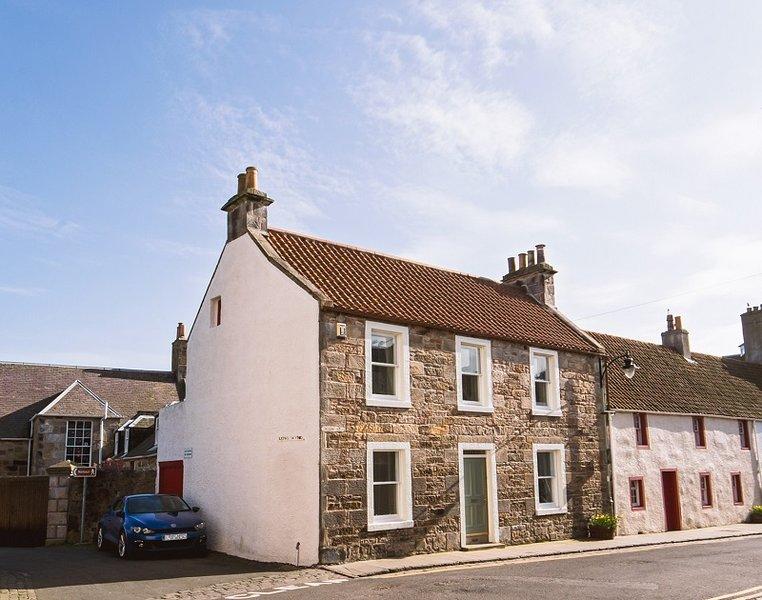 Casa tradicional na tranquila e com personalidade High Street deste conservação vila de pescadores.