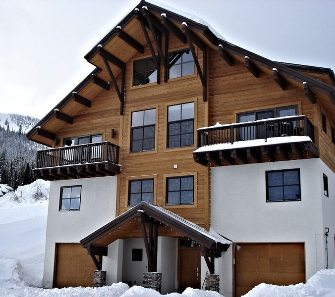 Best condo on Schweitzer!  Ski in / out village location