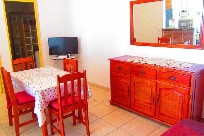 Bas de villa type F2 (logement entier), location de vacances à Baie-Mahault
