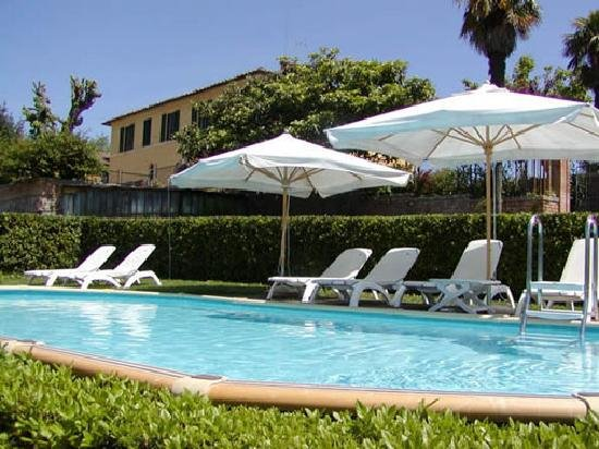Private villa with pool only 3 km from the center of Siena!, casa vacanza a Taverne d'Arbia