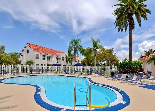 Vista Verde East Pool